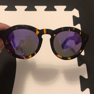 Diff sunglasses tortoise shell pattern!